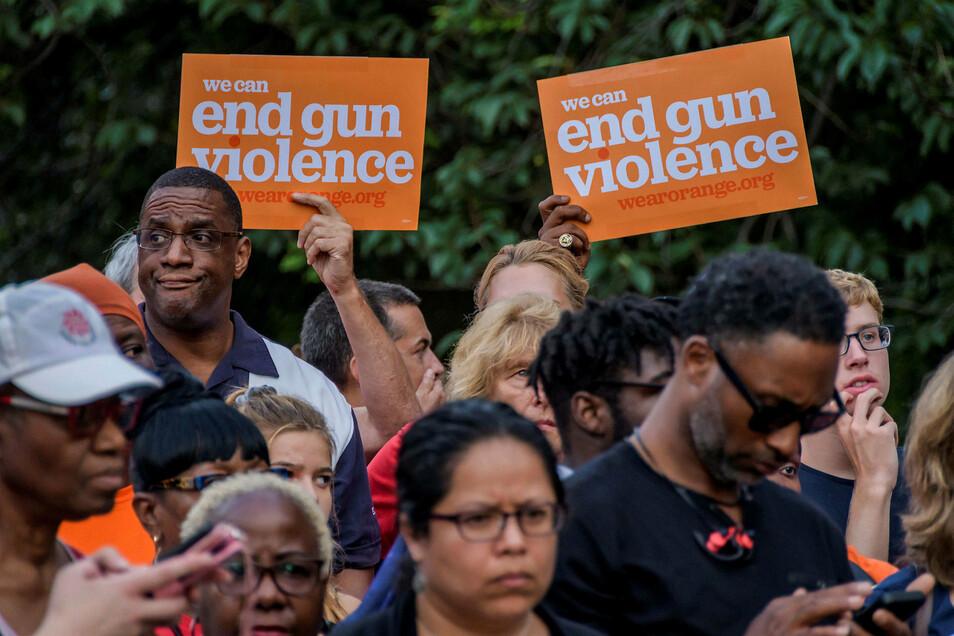Nach den Massakern fordern Demonstranten in New York ein Ende der Waffengewalt in denUSA.