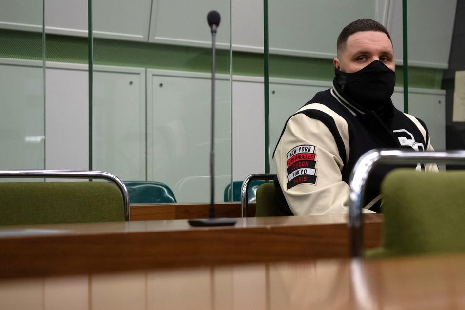 Fler, der mit bürgerlichem Namen Patrick Losensky heißt, kassierte zehn Monate Haft auf Bewährung und eine Geldbuße von 10.000 Euro