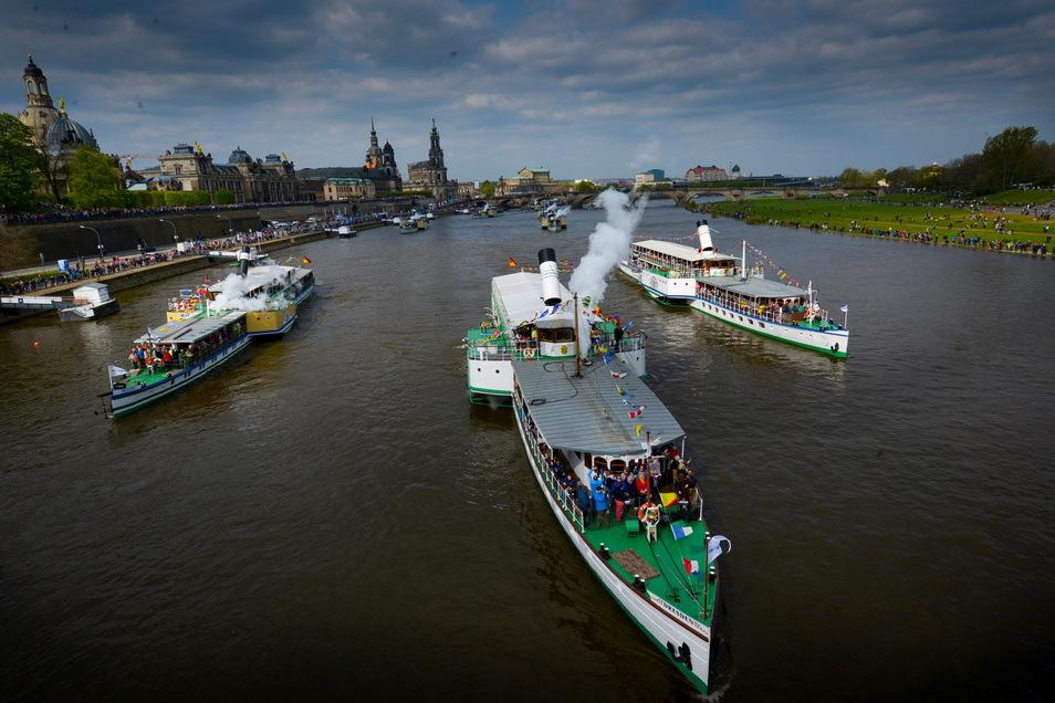 Anfang Mai 2017 war die Dampferwelt noch in Ordnung, die Parade fand statt. Für dieses Jahr haben die Verantwortlichen einen neuen Plan.
