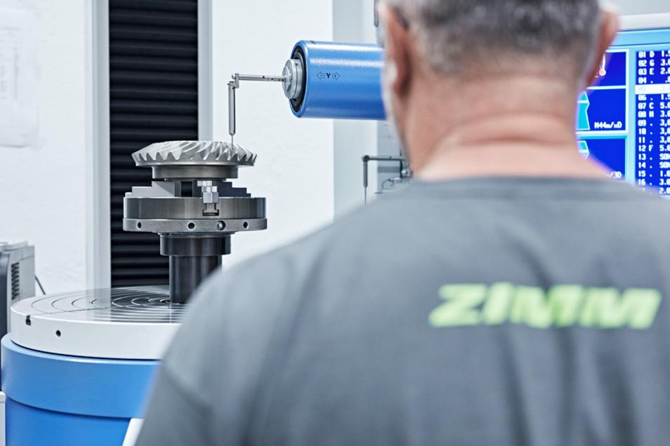 Auch bei einer Ausbildung muss ein Zahnrad ins andere greifen. Spezialist dafür ist ZIMM Germany.