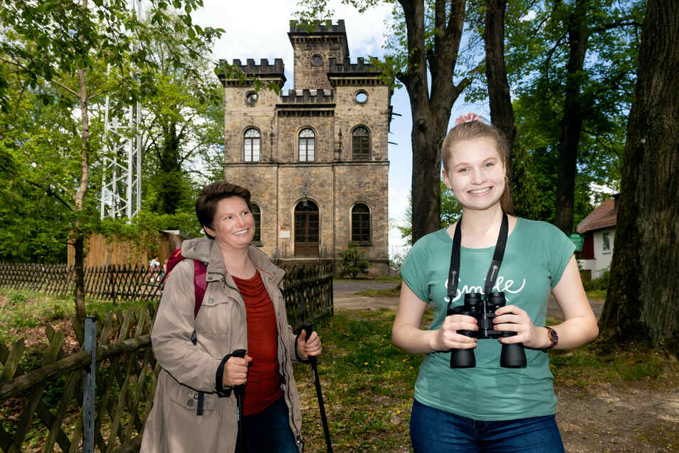 Diana Dreßler mit Tochter Marlene aus Dresden sind durch das Lieblingstal gewandert und halten Rast auf der Schönen Höhe.