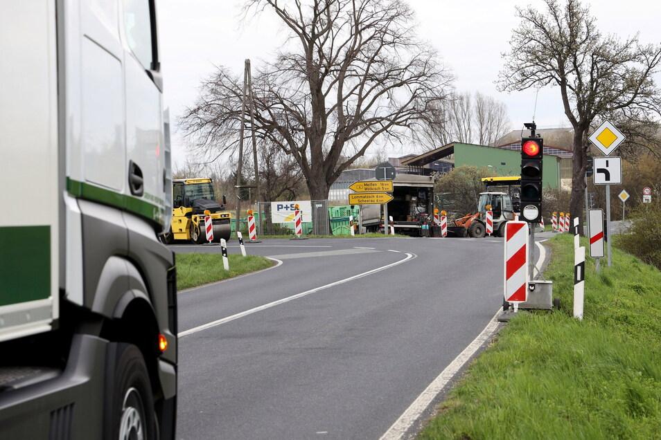 Im April war auf der B 6 noch am Abzweig Lommatzsch gebaut worden. Nun ist ein Stück weiter bei Pahrenz die nächste Ecke dran.