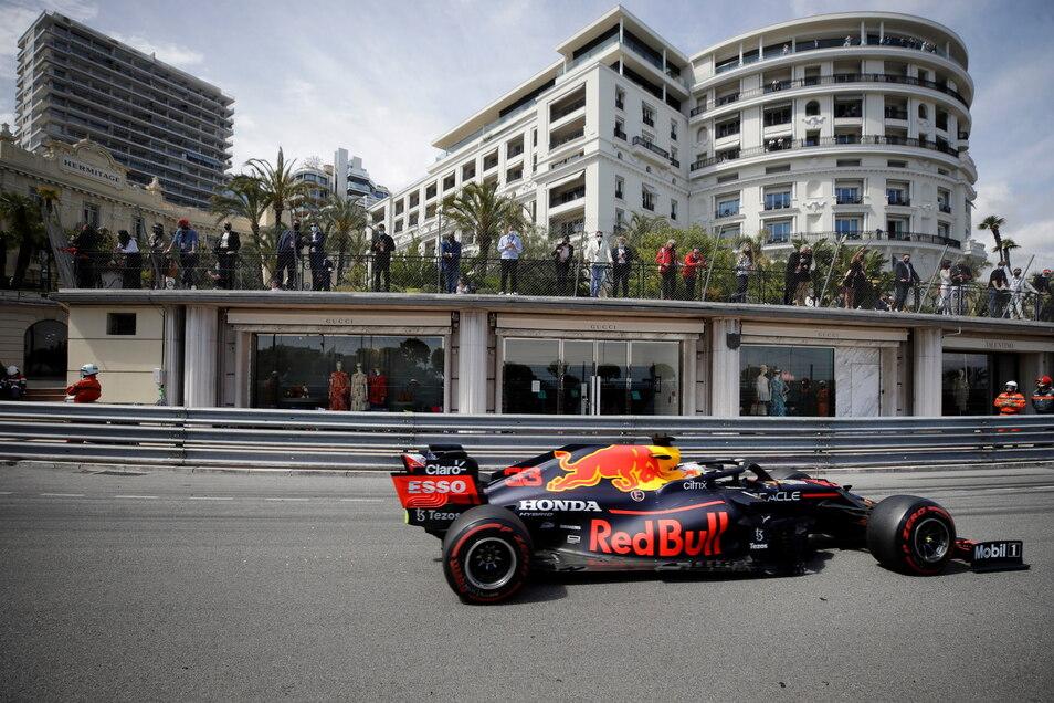 Red-Bull-Pilot Max Verstappen aus den Niederlanden auf der Rennstrecke.