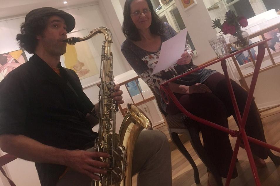 Autorin Lilli Vostry und Musiker Gabriel Jagieniak.