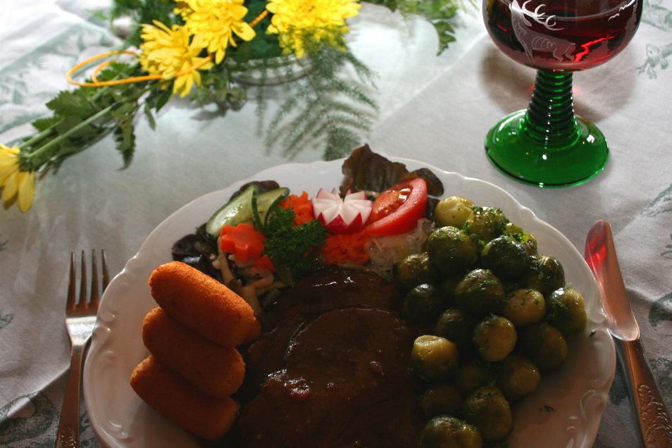 Wildfleisch ist lecker und gesund. Es kann zu unzähligen Gerichten verarbeitet werden.