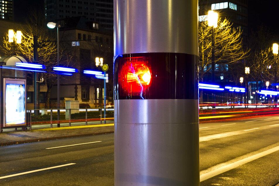 Schärfere Strafen für Autofahrer, die etwa Radfahrer gefährden, bleiben damit erst einmal außer Kraft.
