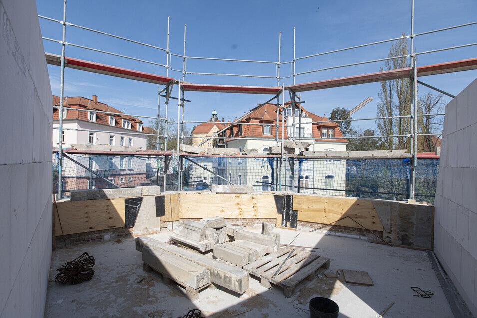Auch solche attraktiven Eckzimmer entstehen - mit Blick ins Gründerzeitviertel der Stadt Kamenz und zur Lessingschule.