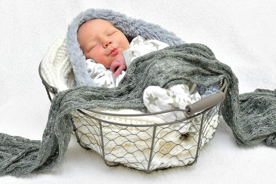 Mailo Hope, geboren am 10. Januar, Geburtsort: Freital, Gewicht: 3.450 Gramm, Größe: 52 Zentimeter, Eltern: Sabine Walther und Sandro Marx mit Jolina, Wohnort: Grumbach