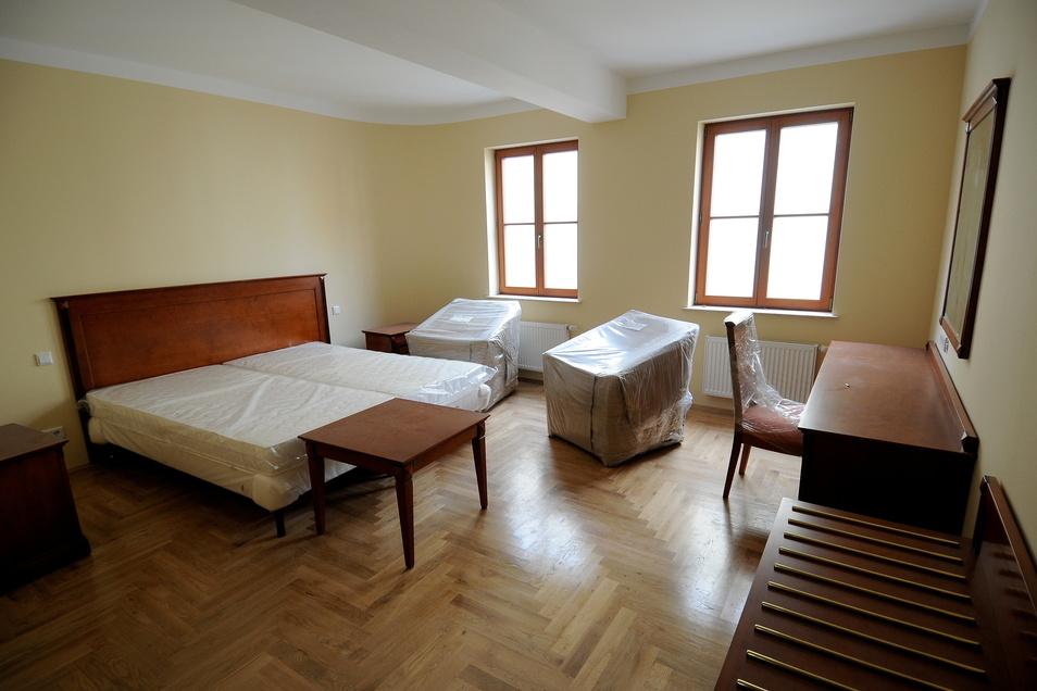 2009 startete im Hotel Monopol in Görlitz die Einrichtung. Eröffnet ist das Haus bis heute nicht.