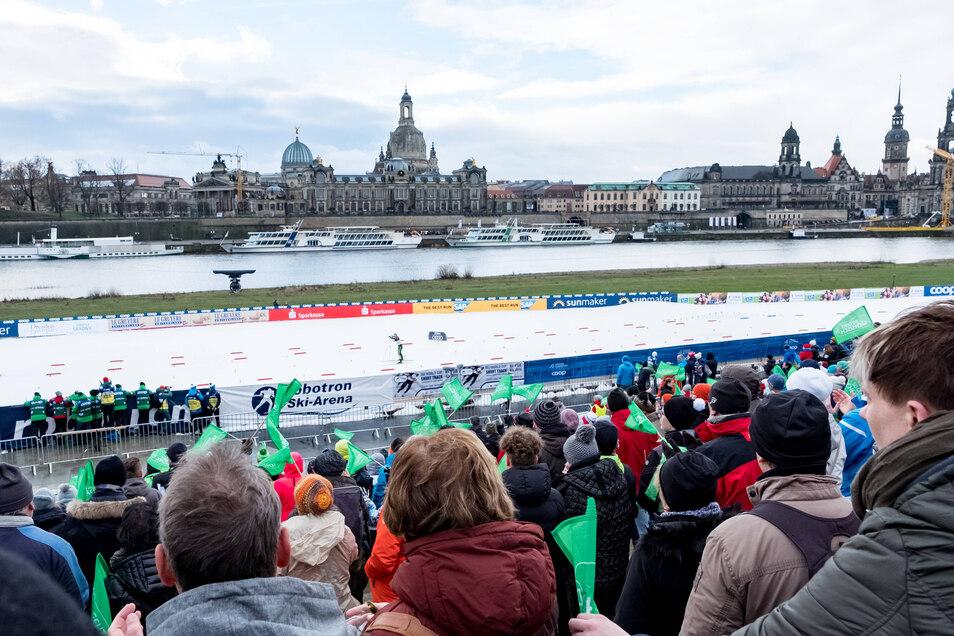 Zuschauer sind in diesem Jahr nicht zugelassen, und auch das Rahmenprogramm wie die traditionelle Schul-Ski-Woche fällt coronabedingt aus.
