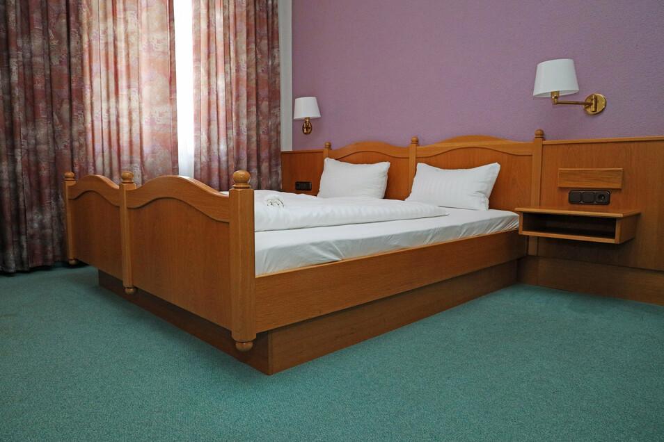 Die Zimmer sind ansprechend. Das Doppelzimmer kostet ab 72 Euro pro Nacht.