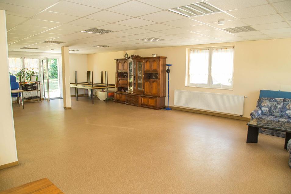 Das Kinder- und Familienzentrum in Niesky bietet einen Raum für private Feiern. Dazu eine komplett eingerichtete Küche.