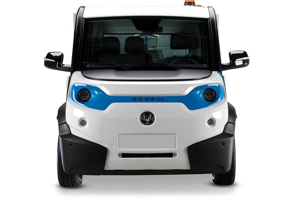 Goupil: Die 1996 in Frankreich gegründete Firma baut kompakte Leichtfahrzeuge mit E-Antrieb und Reichweiten von bis zu 150 Kilometern. Dabei sind Nutzlasten von bis zu 1,2 Tonnen machbar. In Sachsen gibt es Goupil-Partner in Dresden, Bad Lausick und Schwarzenberg. Seit 2011 gehört das Unternehmen zum US-Hersteller Polaris Industries.
