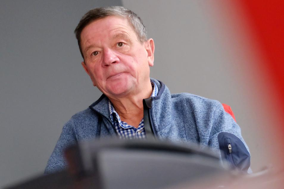 """Will weniger statt mehr Bürokratie: Käbschütztals Bürgermeister Uwe Klingor (CDU) wettert gegen die geplante Abschaffung des 2010 beschlossenen """"Baum-ab-Gesetzes"""" durch die schwarz-rot-grüne Landesregierung."""
