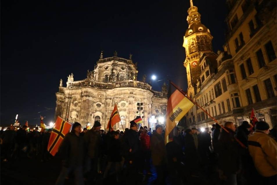 Eine Demo mehr: Auch an diesem Montag zog Pegida durch die Innenstadt.