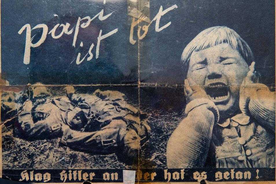 """Sowjetisches Flugblatt, das über Marcel Weises Stellung abgeworfen wurde und zum Überlaufen aufruft. Auf der Rückseite steht: """"Gib dich gefangen! Aber zögere nicht! Morgen ist es zu spät!"""""""