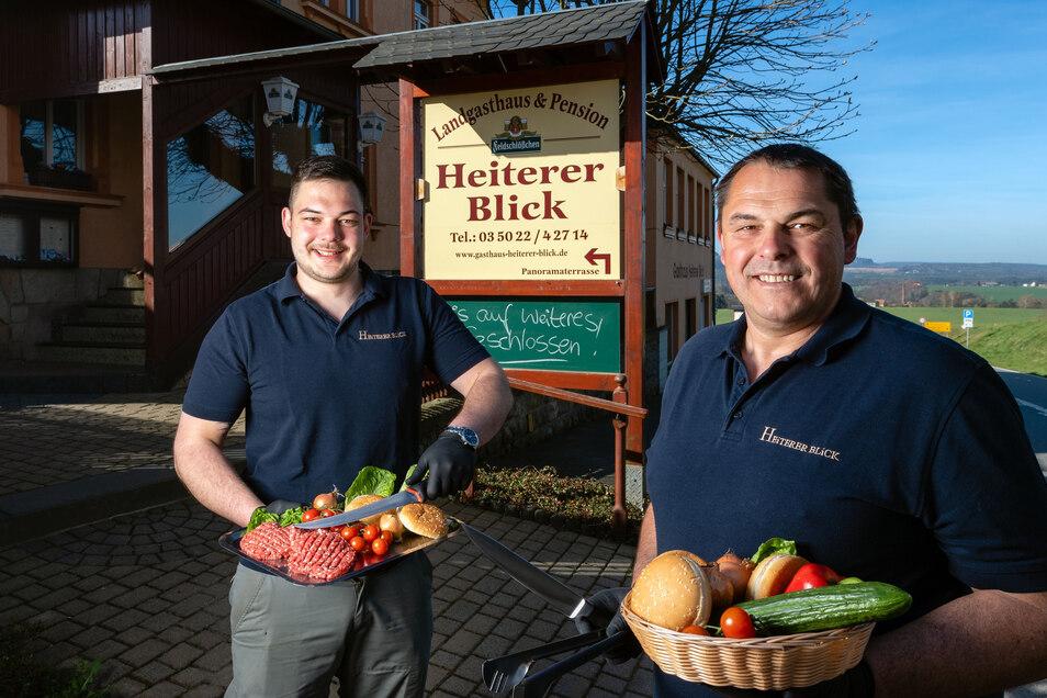 Im Gasthaus Heiterer Blick in Altendorf würde Familie Kirpal jetzt normalerweise zum Grillfest einladen, krisenbedingt geht das Team neue Wege und bietet leckere Burger im Außer-Haus-Verkauf an.