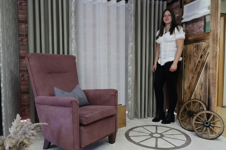 Charlie Franke stellte in ihrer Koje den Umbau einer Scheune in Wohnraum dar. Als Berlinerin verbindet sie damit Idylle, Ruhe, Erholung und Gemütlichkeit.