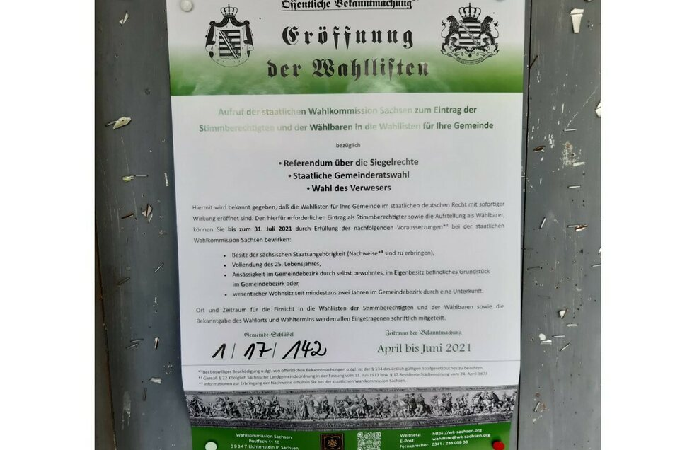 Dieses seltsame Plakat - offenbar aus der Reichsbürgerszene - tauchte am Wochenende mehrfach zwischen Rosenhain und Rosenbach auf.
