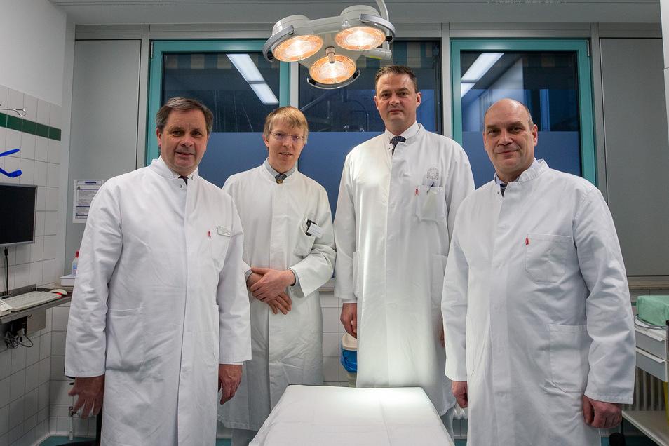 Neues Ärzteteam: Dr. Jens Seifert, Dr. Mike Schmidt, Dr. Mario Leimert, Dr. Christian Schmidt (v.l.).