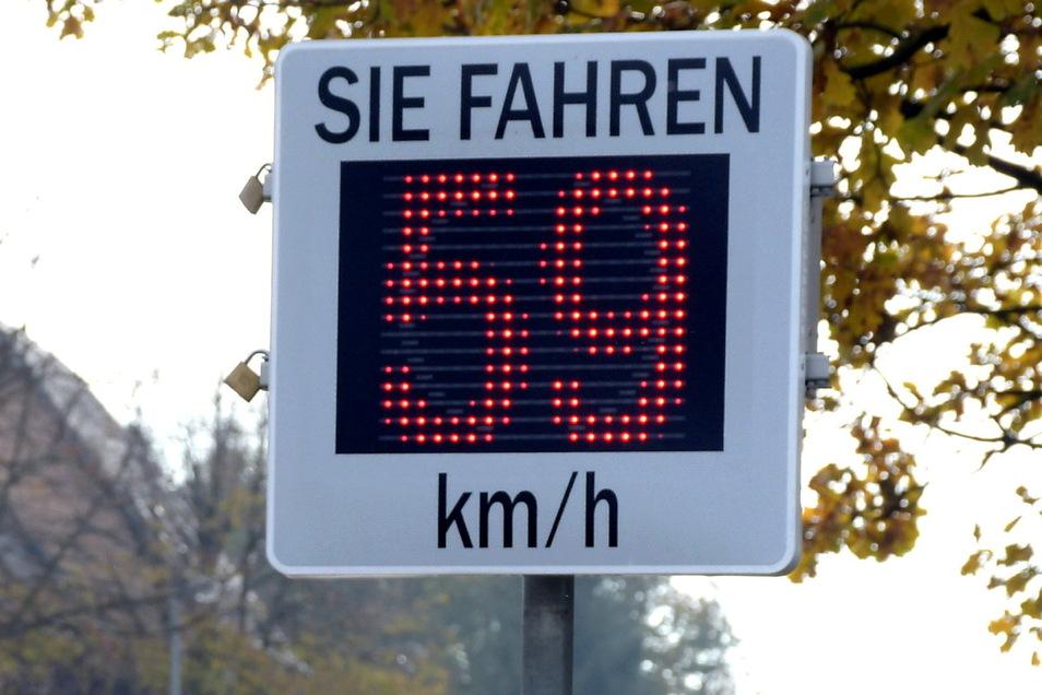 In Reichenbach und Kriebethal war die mobile Messtafel der Gemeinde Kriebstein im Einsatz.
