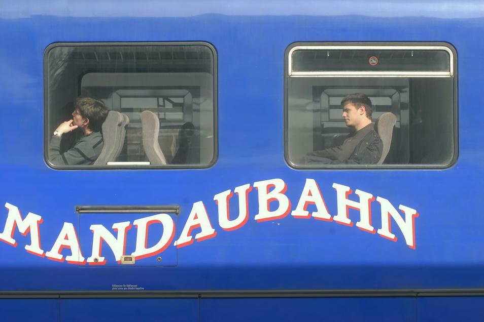 Die Mandaubahn zwischen Seifhennersdorf und Eibau soll bald wieder fahren.