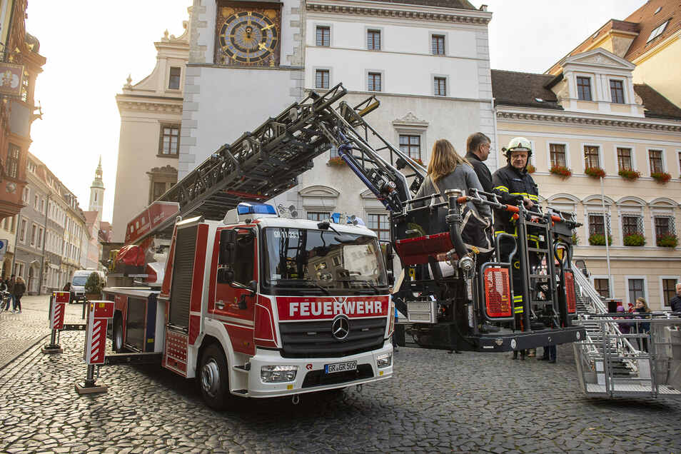 2018 bekam die Görlitzer Feuerwehr auf dem Untermarkt eine neue Drehleiter übergeben. Demnächst folgt weitere Technik.