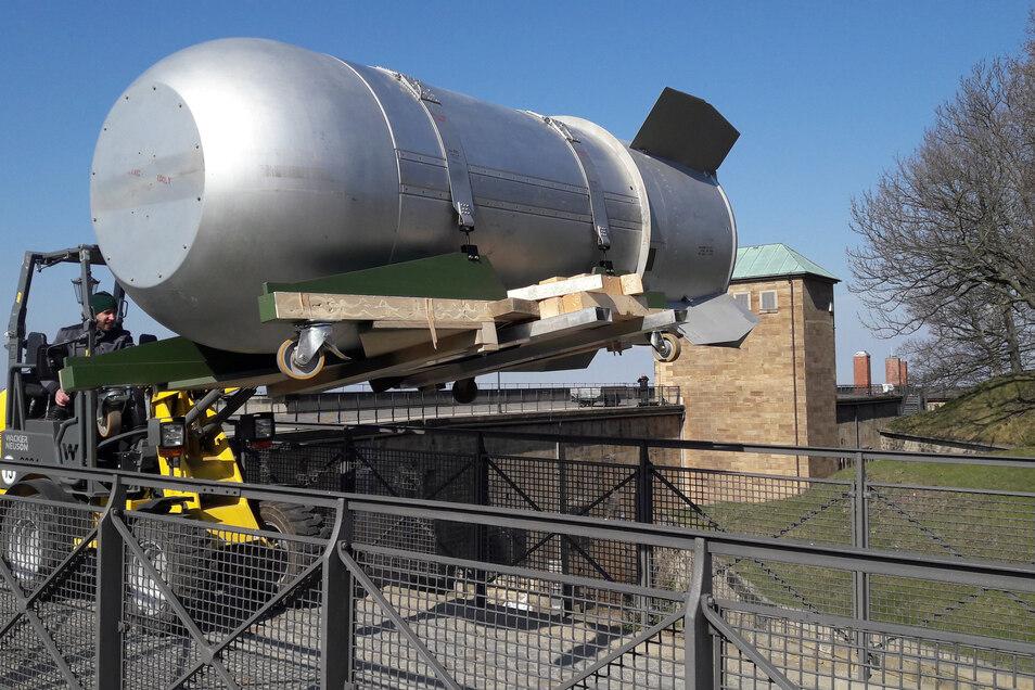Zum Glück hohl: Die Außenhaut einer amerikanischen Wasserstoffbombe wird das wohl beklemmendste Exponat im Neuen Zeughaus des Königsteins sein.