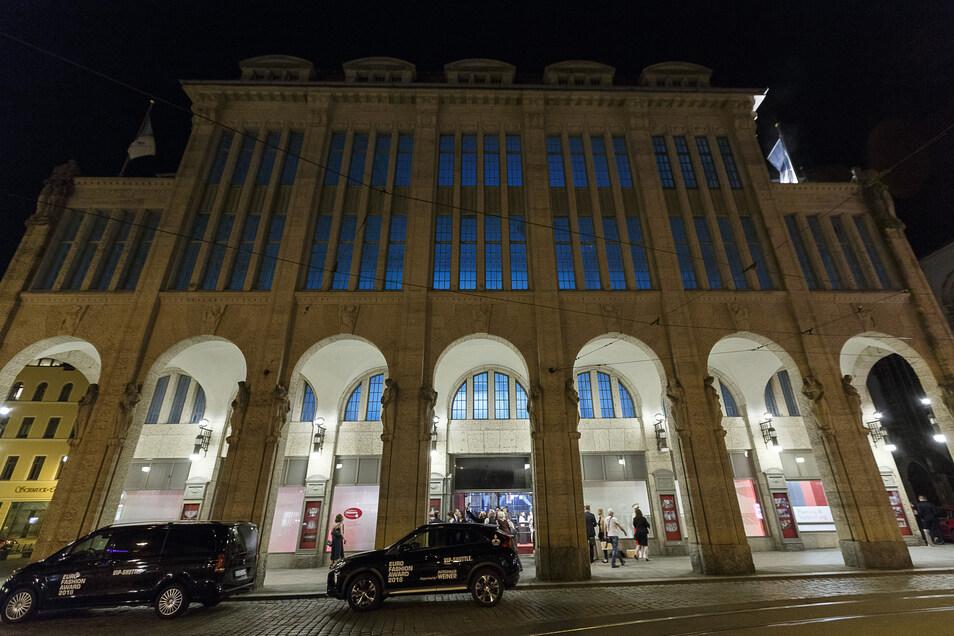 """... im alten Kaufhaus am Demianiplatz wurde das oscarprämierte Werk """"Grand Budapest Hotel"""" gedreht. Foto: SZ-Archiv"""