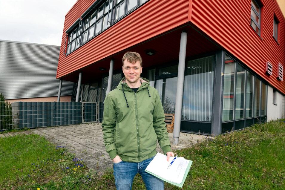 David Remetter vom Quartiersmanagement im Bautzener Stadtteil Gesundbrunnen plant Müllsammelaktionen, damit es im Viertel wieder sauberer wird.