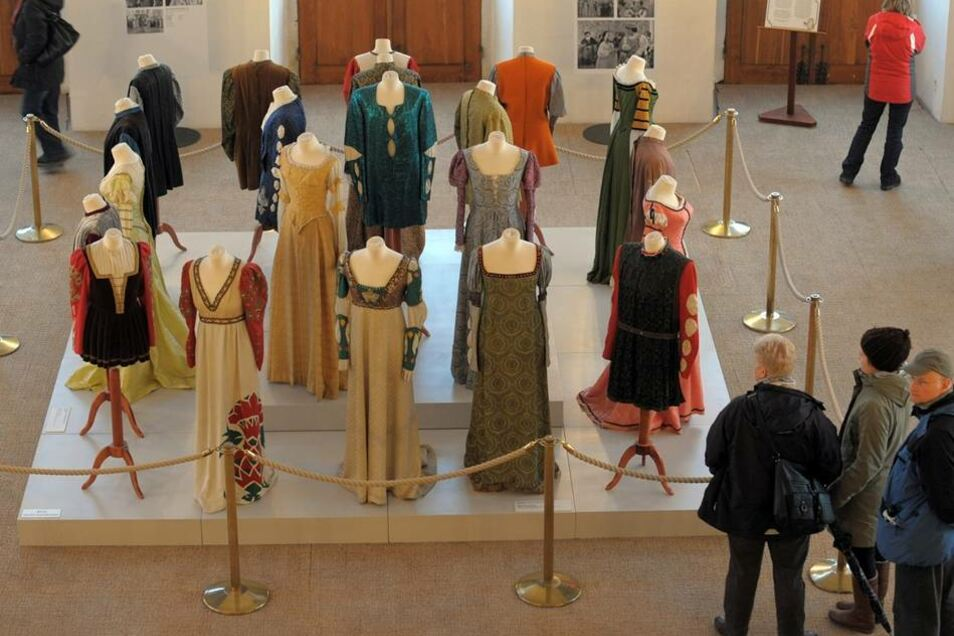 Die Originalkostüme waren erstmals bei der Ausstellung im Jahr 2011/2012 zu sehen.