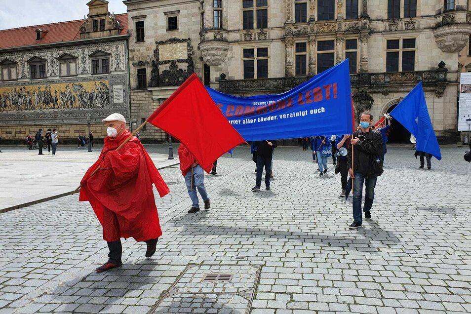 Diese Demo anlässlich 150 Jahre Pariser Kommune war genehmigt.