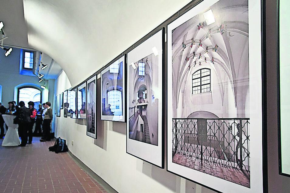Eine Ausstellung zu Hallenhäusern war bereits 2014 in der Galerie Brüderstraße 9 zu sehen. In Zukunft wird es hier ausschließlich um die Bewerbung um en Welterbe-Titel gehen.