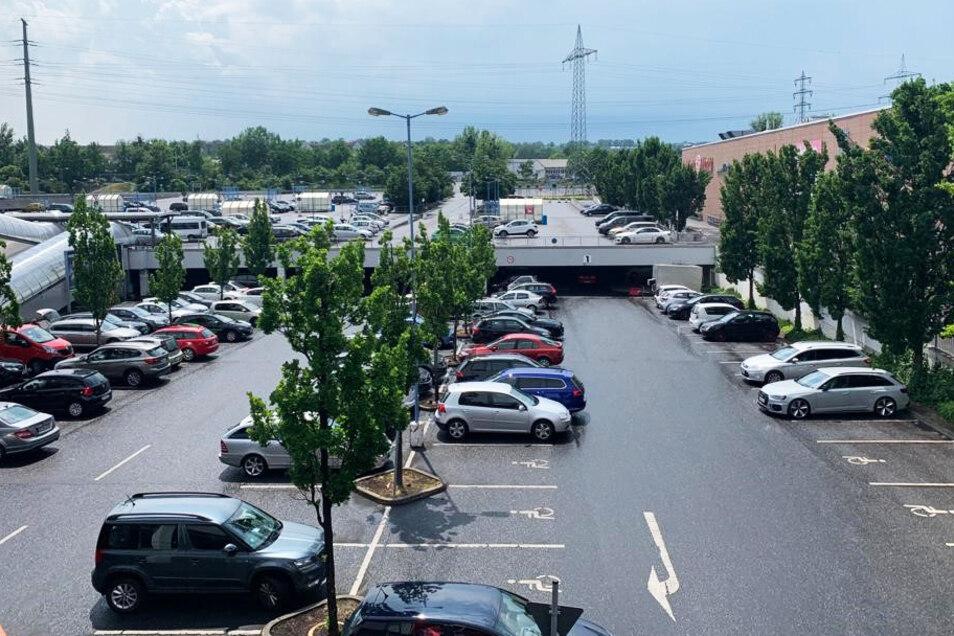Bequemes Einkaufen steht beim KaufPark Dresden-Nickern an der Tagesordnung - einen Parkplatz findet hier jeder.