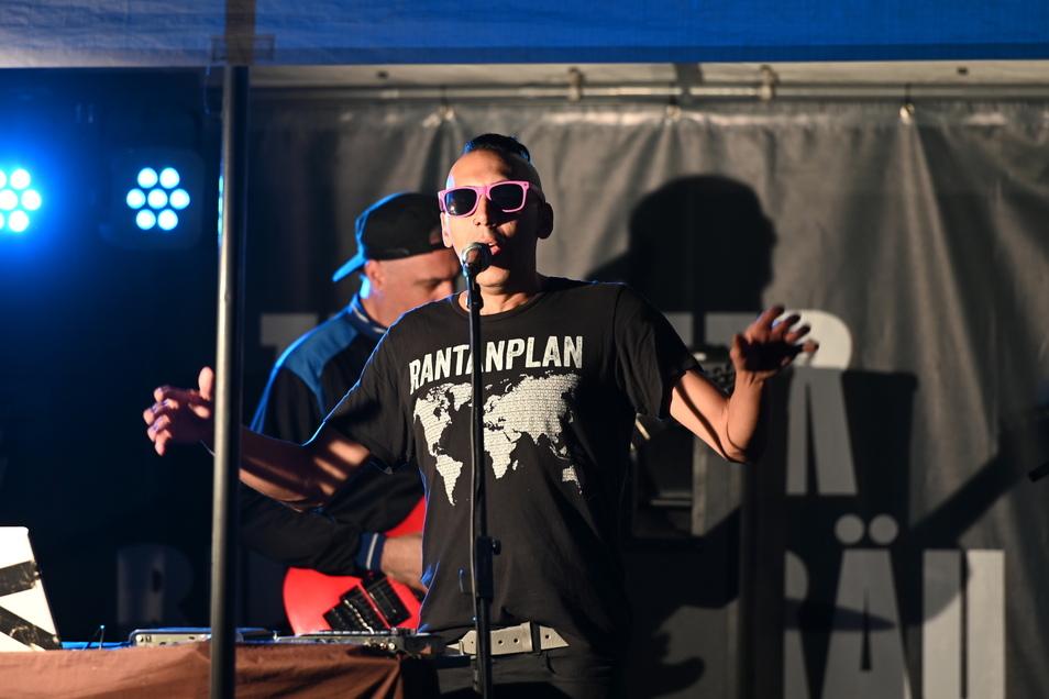 """Die Band """"Las Janos de Filippo"""" spielte auf der Hauptbühne an der Breite Straße. Die argentinische Band beendete in Zittau ihre Europa-Tour."""