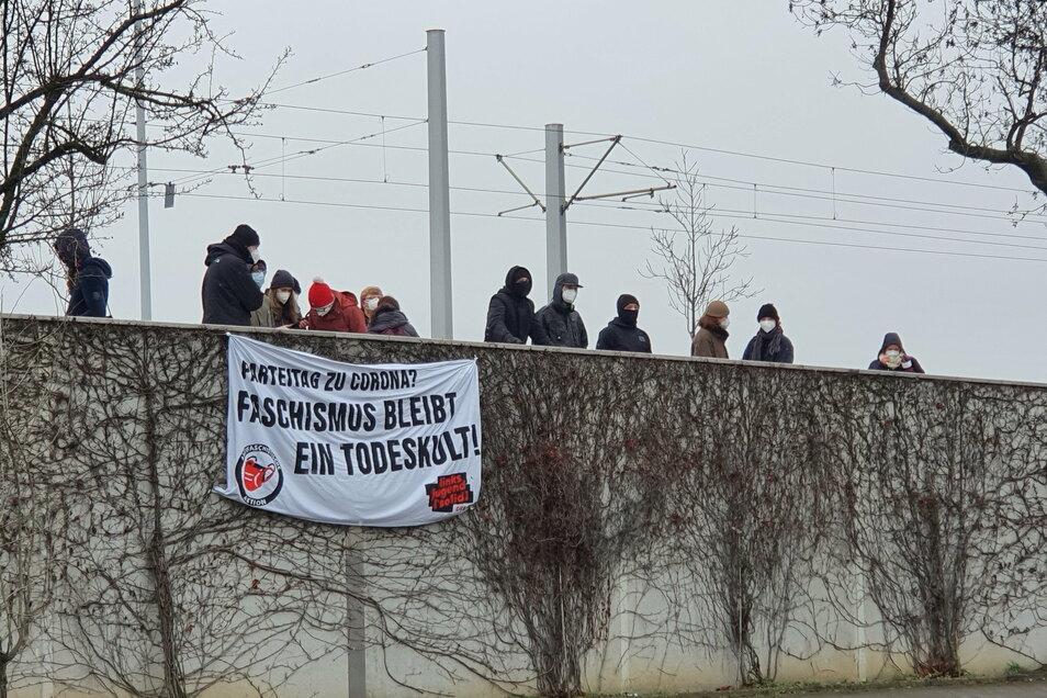 Mit lauter Musik äußerten die Demonstranten ihre Meinung zum AfD-Parteitag.