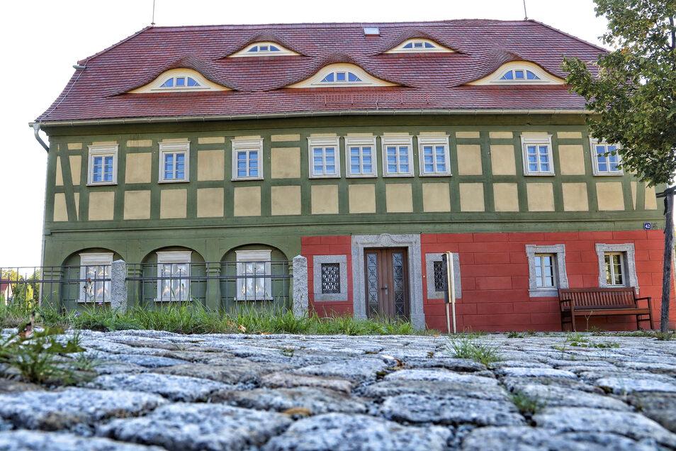 Am Lautex-Stammhaus in Neugersdorf startet am 1. Dezember der Lebendige Adventskalender.