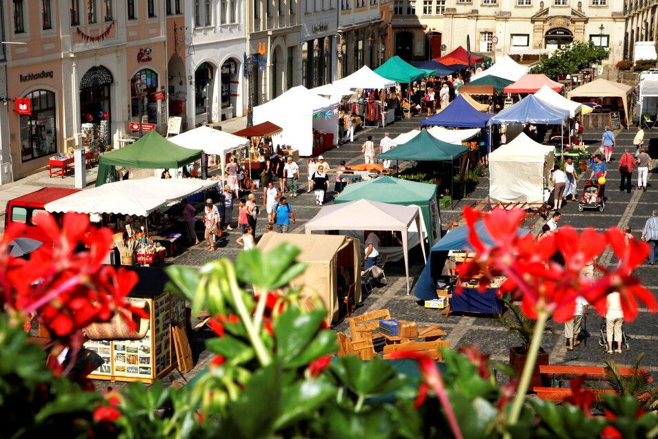 Händler aus Polen, Tschechien und Deutschland sind einmal im Jahr beim Samsmarkt in Zittau dabei. Die Veranstaltung wird nach 2020 auch 2021 nicht stattfinden.
