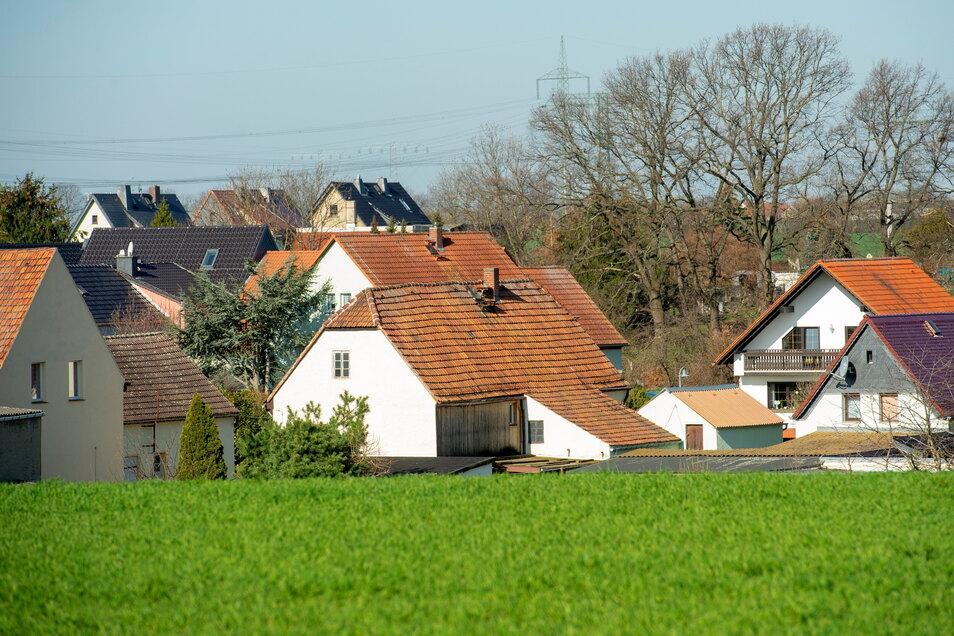Skassaer Wohnidylle mit Eigenheimen und Dreiseithöfen soll auch künftig das Bild prägen - ohne Neubauten auf der grünen Wiese.