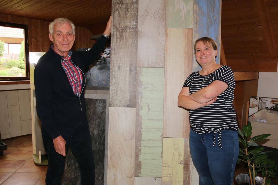 Vor 30 Jahren hat Jörg Oberländer den gleichnamigen Fliesenshop in Roßwein gegründet. Jetzt hat er das Geschäft an seine Tochter Susan Oberländer übergeben.