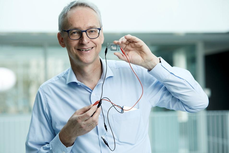Physik-Professor Karl Leo lächelt ist mit dem Europäischen Erfinderpreis ausgezeichnet worden.