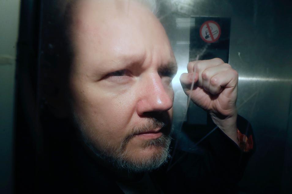 Assange hatte sich aus Angst vor einer Auslieferung an die USA 2012 in die ecuadorianische Botschaft in London geflüchtet.