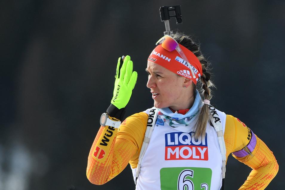 Denise Herrmann zeigt beim Schießen zum Auftakt der Biathlon-WM Nerven.