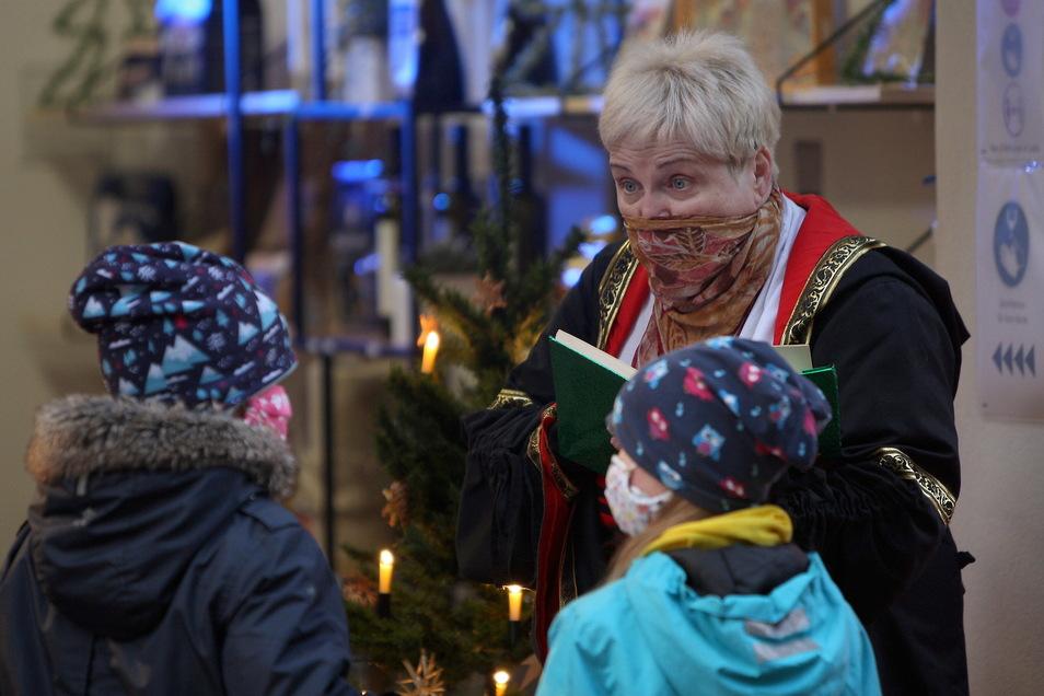 Märchen-Erzählerin Elke Leupold in Pirna: Wir können doch den Kinder Weihnachten nicht nehmen.