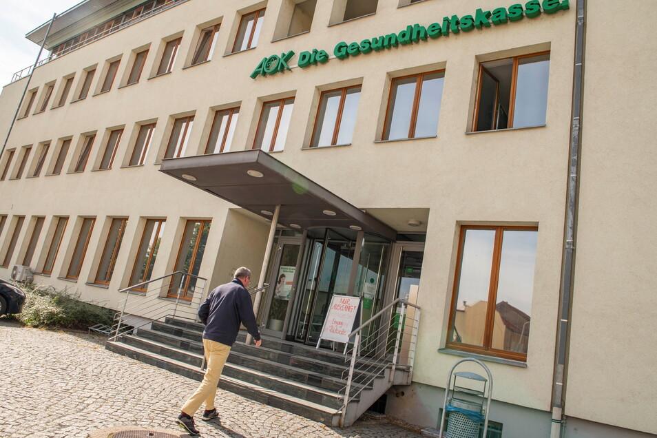 Künftig noch moderner und vor allem diskret: Die AOK Plus-Filiale in Großenhain auf der Albertstraße wird bis voraussichtlich Februar 2022 umgebaut.