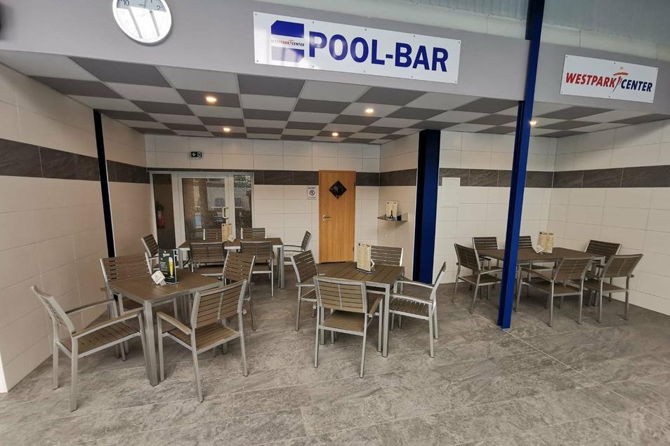 Ein Blick in die Pool-Bar.