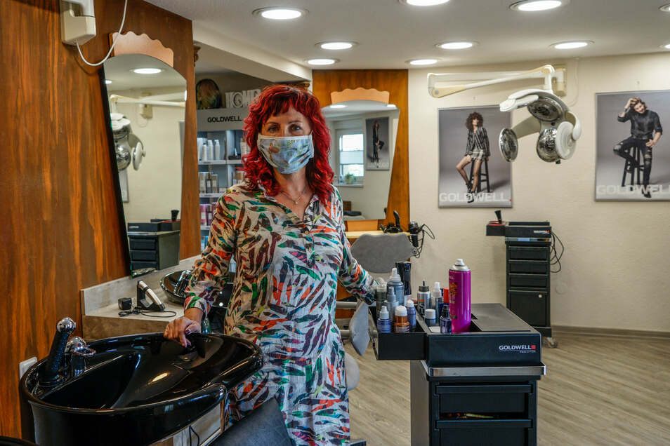 Noch herrscht Ruhe im Taubenheimer Salon von Sylvia Kretschmar. Wenn sie und die anderen Friseure am Montag wieder öffnen, dann unter besonderen Bedingungen – für Kunden und Stylisten.