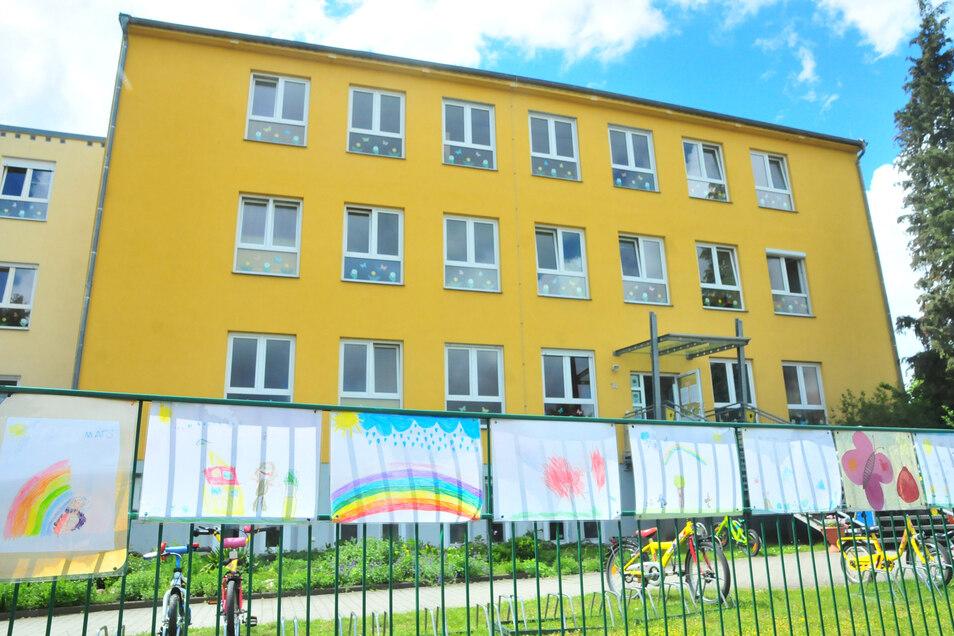 Das Kinderhaus des Hortvereins Regenbogen am Bobersberg ist das größte der Stadt. Hier rücken demnächst die Handwerker an.