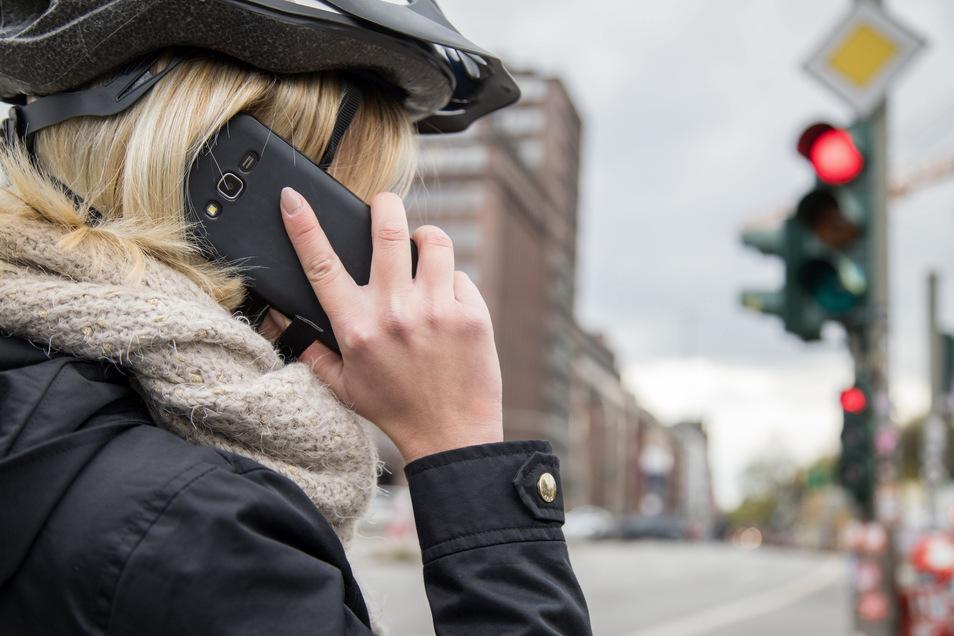 Lieber Hilfe holen: Auch ohne Personenschäden dürfte es in vielen Fällen sinnvoll sein, die Polizei zur Hilfe zu holen.