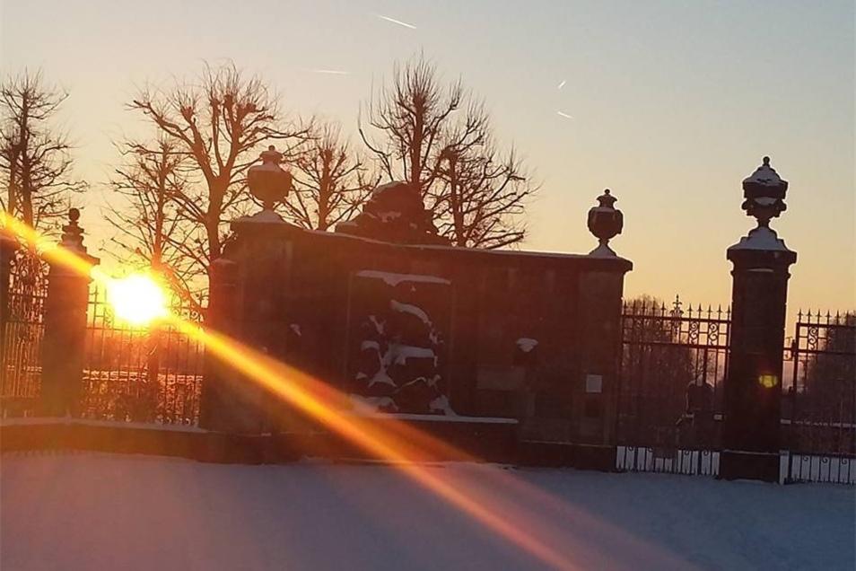 Heidenau-Großsedlitz. Die traumhafte Seite der Kälte hat morgens um acht  vor dem Barockgarten Katja Bläk aus Großsedlitz aufs Bild gebannt.